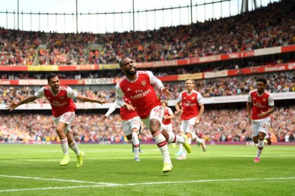 Двама дебютират за Арсенал срещу Бърнли, Пепе отново на пейката (гледайте...