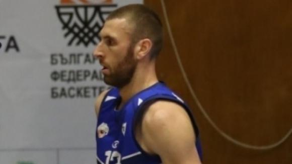 Коев остава в Спартак (Плевен) за четвърта поредна година