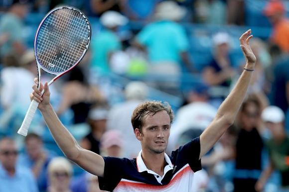 Фурията Медведев е с повече победи и финали от Джокович, Надал и Федерер...