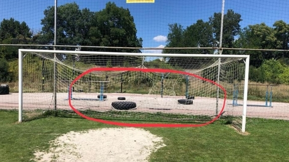 Нарязаха мрежите на Левски-Раковски - от клуба: Знаем кои са те!