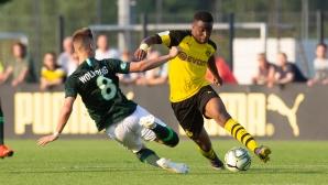 14-годишният диамант на Дортмунд вкара 6 гола в дебюта си при U19 и подписа нов договор