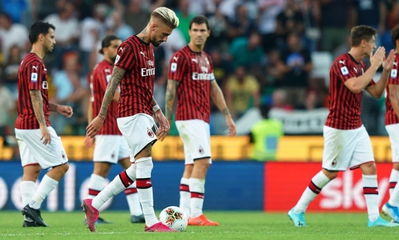 Безпътният и разклатен Милан принуждава Джампаоло да се променя