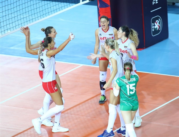 България удари Гърция и запази шансове за 1/8-финалите на Евроволей 2019 (снимки)