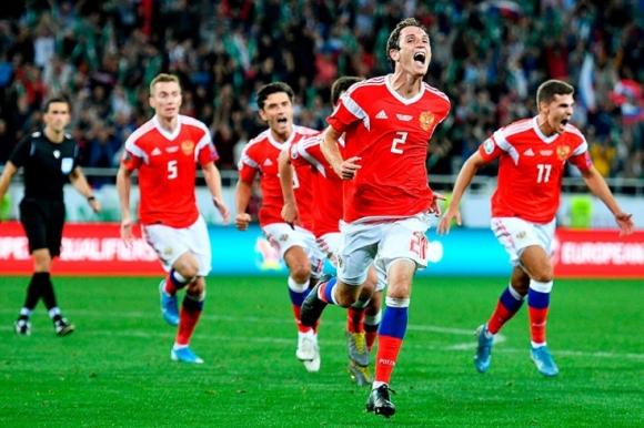 Русия проби Казахстан с бразилски гол в края (видео)
