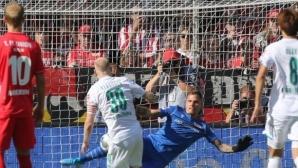 Вердер (Бремен) ликува в мач с три дузпи, Груев-младши остана на пейката