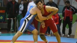 Двама от българските борци ще чакат шанс в репешажите на Световното