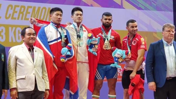 Божидар Андреев с три медала от Световното по щанги