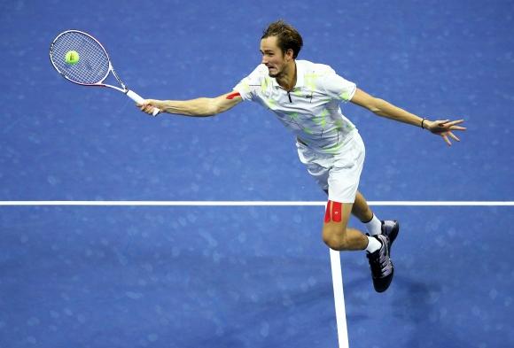 Медведев ще играе за пети пореден път на финал