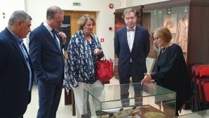 Ръководството на Европейската федерация по хокей на трева посети Музея на спорта