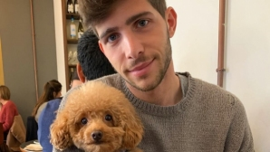Играч на Барса живее с инстаграм модел (снимки)