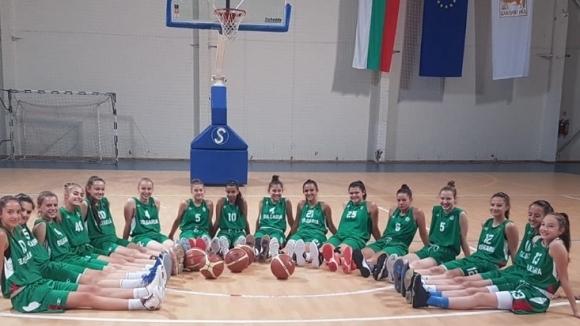 Трудна победа за 15-годишните момичета срещу Румъния