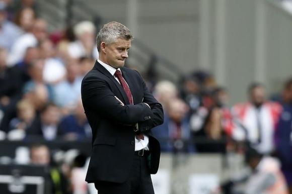 Всички се съмняват в готовността на Солскяер за Юнайтед… без Уудуърд
