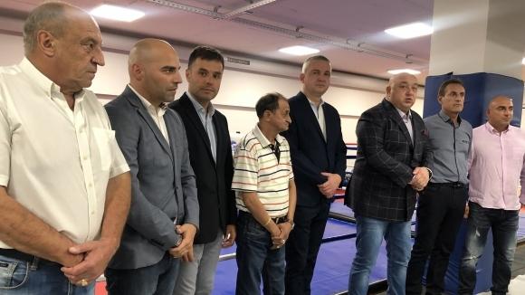 Министър Кралев разпоредил за промяна в издаването на лицензи от Боксовия съюз