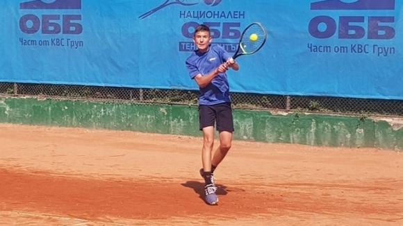 """Българин загуби на четвъртфиналите на """"Мастърс"""" за момчета"""