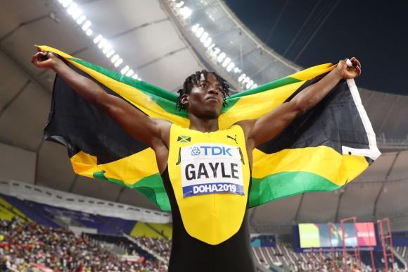 Световният шампион в скока на дължина се пуска и в спринта на 100 метра догодина