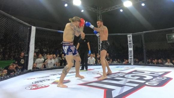 Даниел Илиев продължи победната си серия (видео)