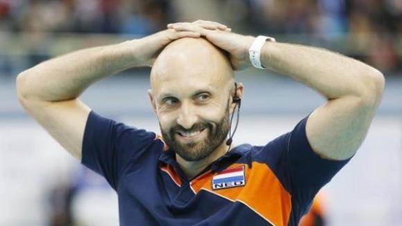 Холандия остана без треньор