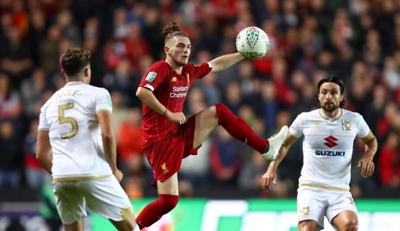 Наказаха футболист на Ливърпул - обидил Хари Кейн в клипче