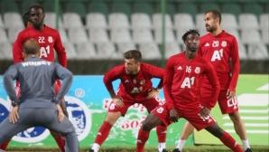Футболистите на ЦСКА-София предизвикаха еуфория в Банско (видео)