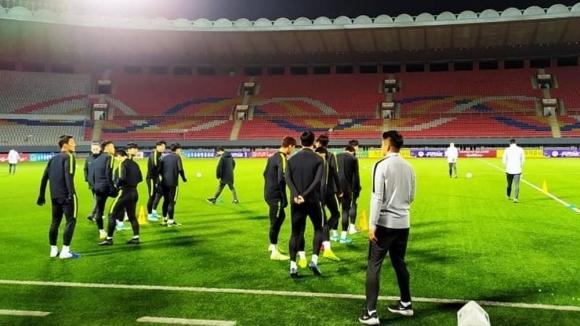 Северна и Южна Корея не успяха да се победят в мач без публика