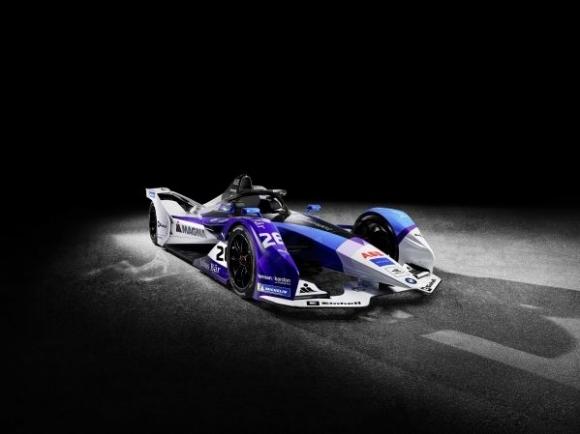 Запознайте се с новия болид на BMW за Формула Е (видео)