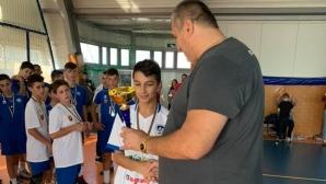 Любо Ганев даде купа на прекадетите за №1