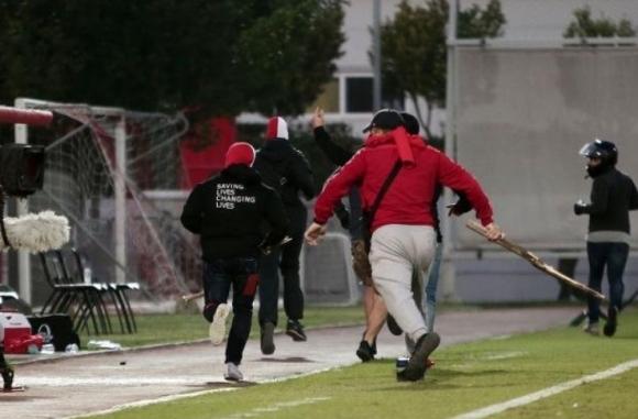 Фенове на Байерн пострадаха след побой от гръцки хулигани