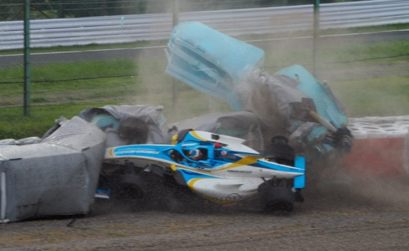 Синът на Ейдриън Нюи с тежка катастрофа в Супер Формула