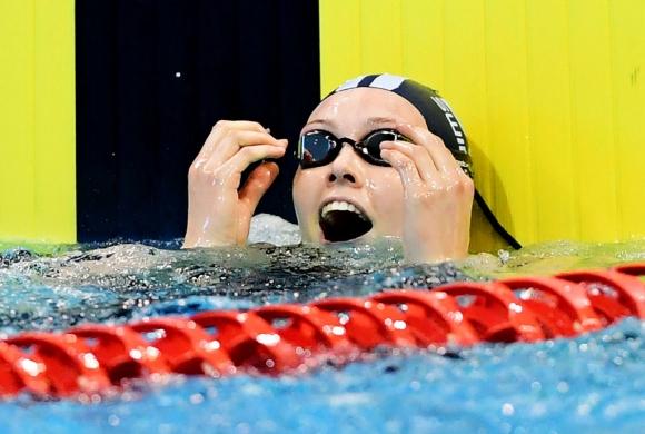 19-годишна австралийка стана първата жена под 55 секунди на 100 метра гръб