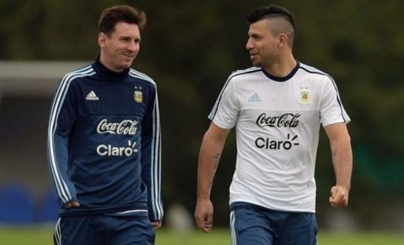 Меси се завръща в отбора на Аржентина