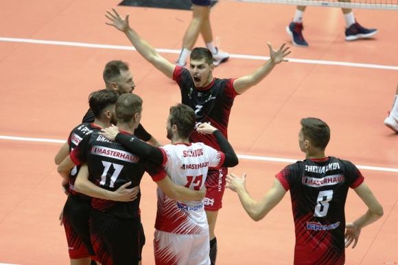 Шампионите дадоха гейм на Славия и записаха 4-а поредна победа