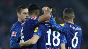 Късен гол върна Шалке 04 в голямата игра (видео)
