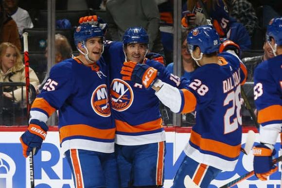 Ню Йорк Айлъндърс постигна десета поредна победа в НХЛ