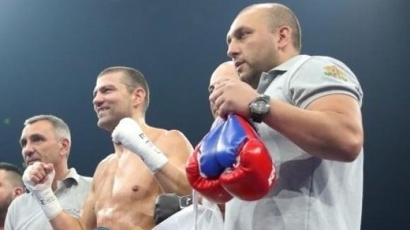 Тервел Пулев се завърна блестящо с нокаут в първия рунд (видео)