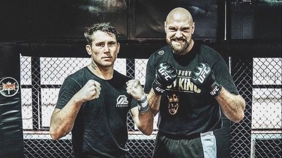 Тайсън Фюри вече тренира с един от елитните ММА бойци (видео)