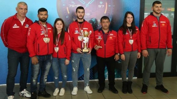 Българите се завърнаха с огромна купа от олимпийския квалификационен...