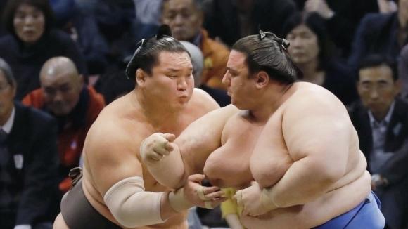 Аоияма завърши с поражение турнира във Фукуока