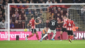 Фантастичен обрат на Ман Юнайтед за седем минути не бе достатъчен за победа (видео)