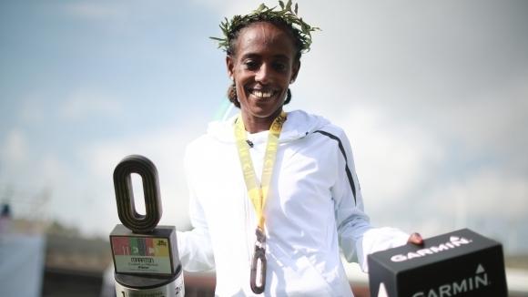 Етиопска атлетка със спрени права заради допинг