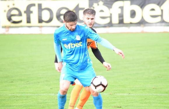 Младежки национал се развихри във Втора лига
