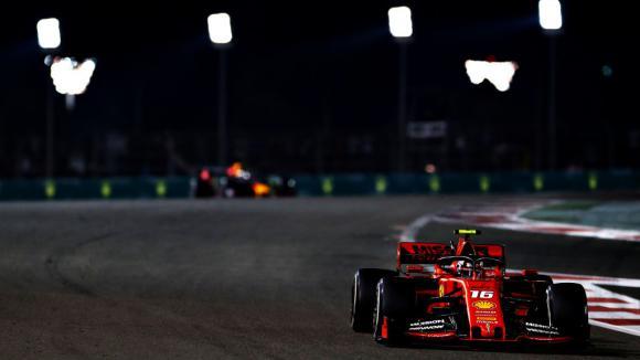 Йос Верстапен не вярва, че Ферари са сбъркали за горивото