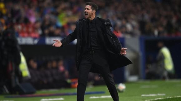 Арсенал следи ситуацията около Симеоне