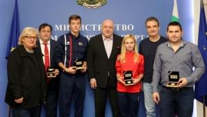 Министър Кралев награди отличилите се фехтовачи през 2019 година