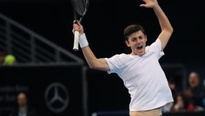 Лазаров е на 1/4-финал в Гърция, Донски отпадна