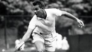 На този ден преди 62 години Гарднар Мълой става най-възрастният тенисист, който печели мач