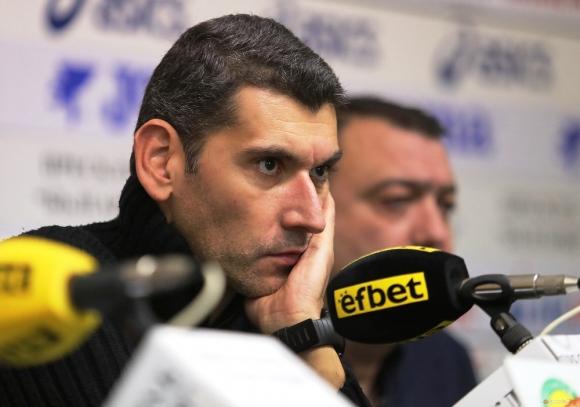 Александър Попов: Г-н Лазаров търси начин да остане на власт