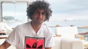 Скандален футболист заби гадже в Гърция и сложи край на скандалите (снимки)