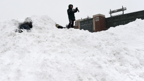 Грийн Бей търсят желаещи да ринат сняг