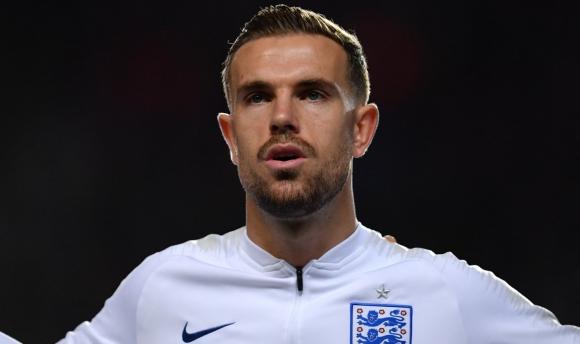 Джордан Хендерсън е футболист на годината в Англия