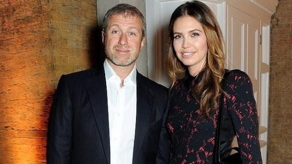 Бившата на Абрамович покани Бекъм на пищно сватбено тържество за 5 млн. паунда (снимки)